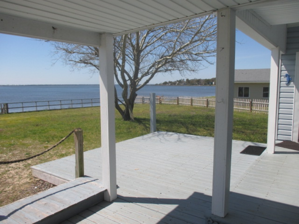 WATERFRONT COTTAGE (sale pending) (2)