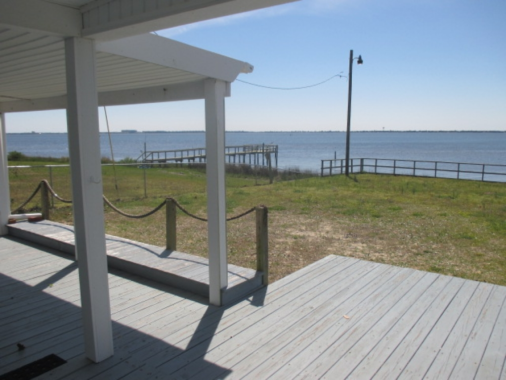 WATERFRONT COTTAGE (sale pending) (3)