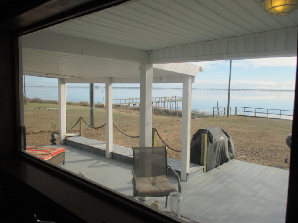 WATERFRONT COTTAGE (sale pending) (16)