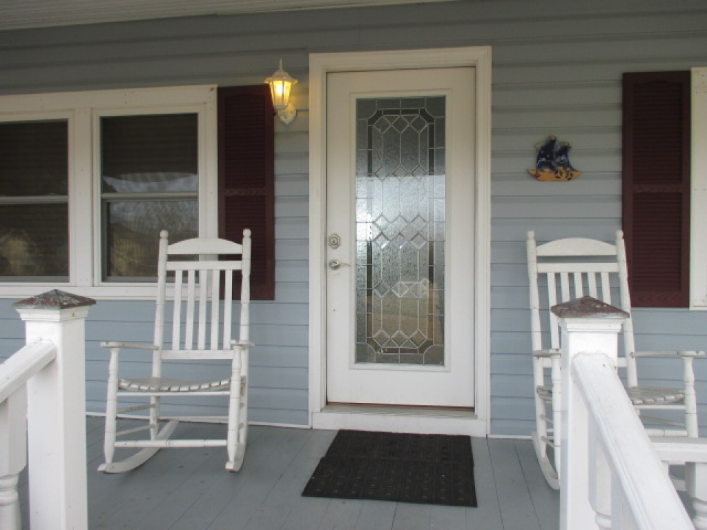 WATERFRONT COTTAGE (sale pending) (17)
