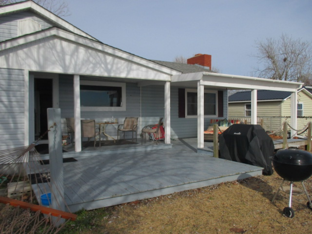 WATERFRONT COTTAGE (sale pending) (19)